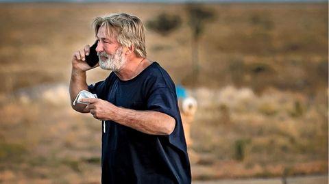 Alec Baldwin kurz nach seiner Aussage beimSanta Fe County Sheriff's Office am Freitag