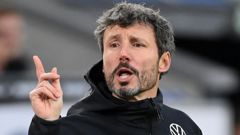VfL Wolfsburg fires coach Mark van Bommel