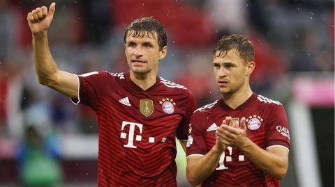 Zwei Spieler, eine Mannschaft, zwei unterschiedliche Ansichten über das Impfen: Thomas Müller und Joshua Kimmich.