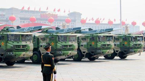 Bei einer Militärparade präsentiert China einen Hyperschallgleiter