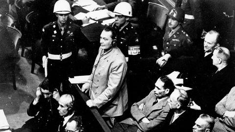 Hermann Göring bei seiner Anhörung während der Nürnberger Prozesse am 21.11.1945
