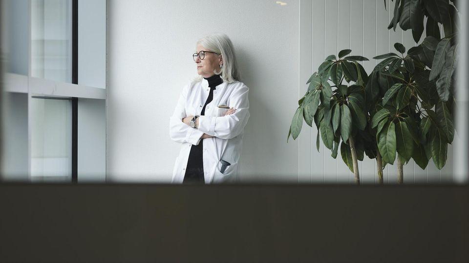 Die Psychiaterin Adelheid Kastner im Kepler-Universitätsklinikum der österreichischen Stadt Linz