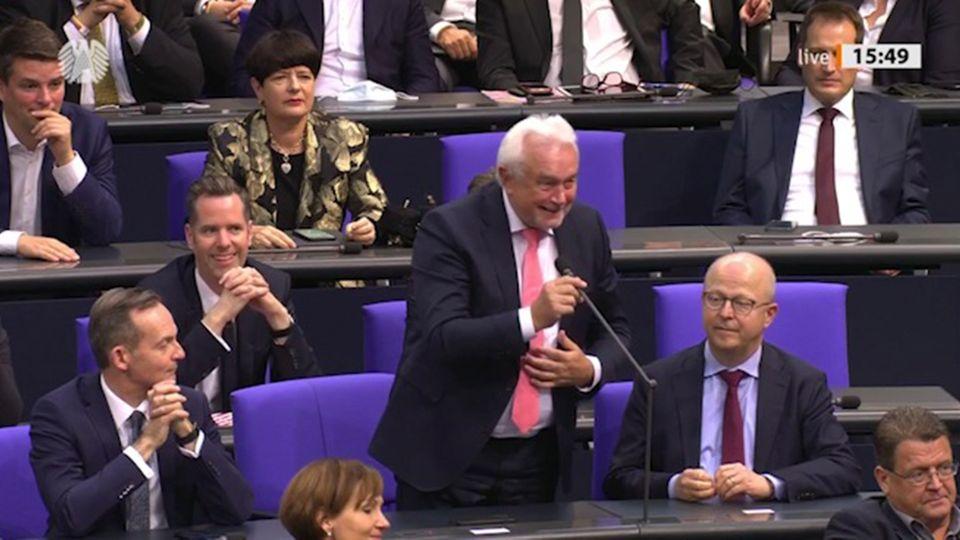 FDP-Abgeordneter Wolfang Kubicki sorgt für Lacher bei der Wahl zum Vize-Bundestagspräsidenten.