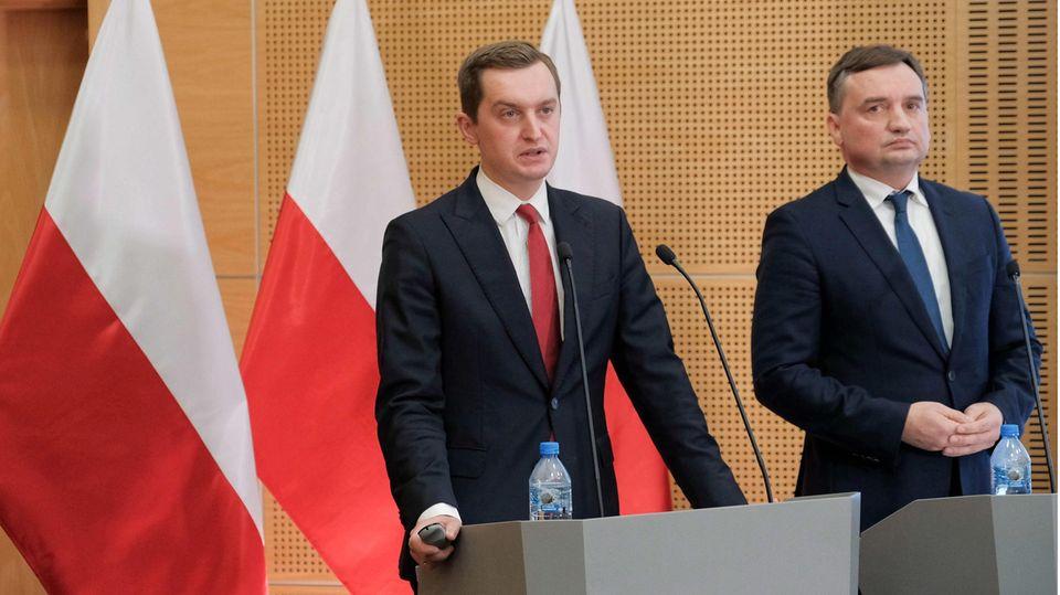 Zbigniew Ziobro (r.), Justizminister von Polen, und Sebastian Kaleta, Stellvertretender Justizminister von Polen