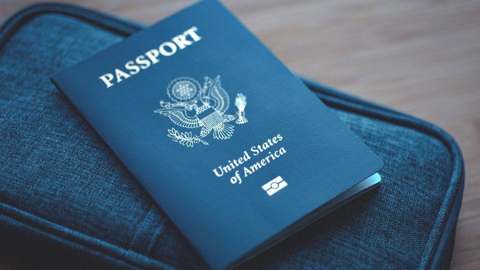 Die USA haben ihren ersten geschlechtsneutralen Reisepass ausgestellt
