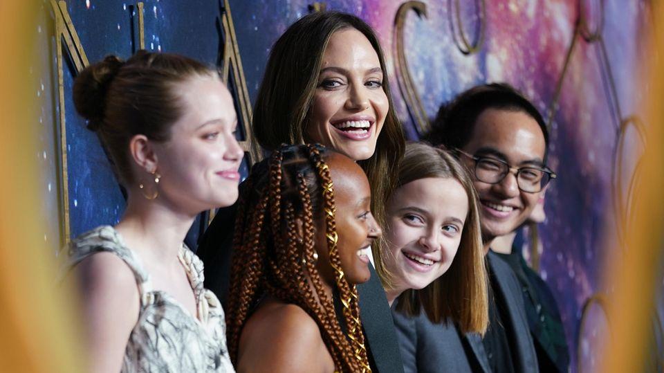 Angelina Jolie und Kinder