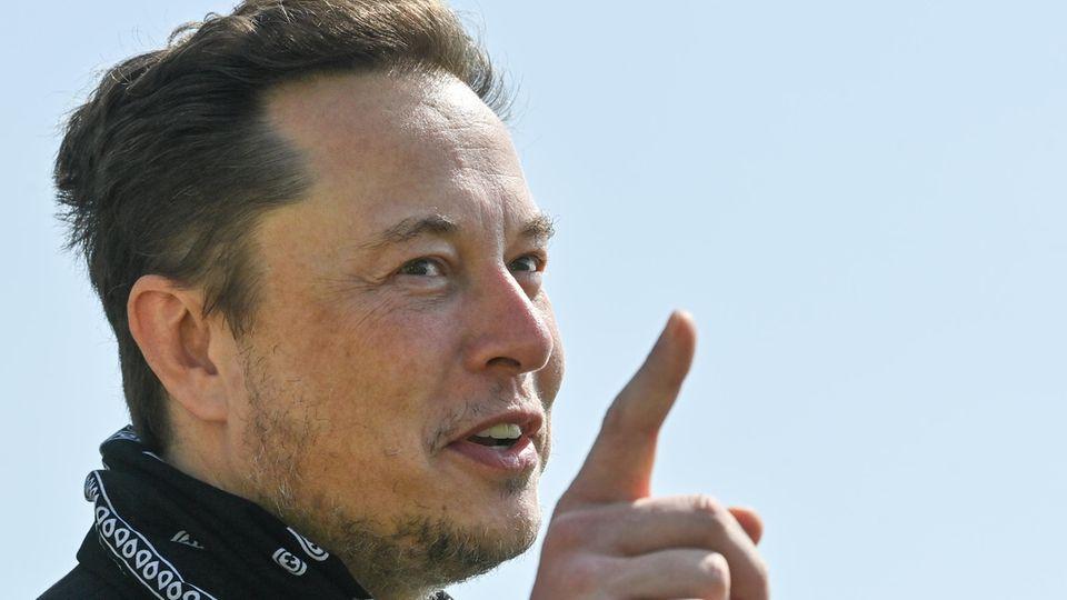 Steuerpläne der Demokraten: US-Milliardärssteuer: Was Jeff Bezos und Elon Musk künftig zahlen sollen