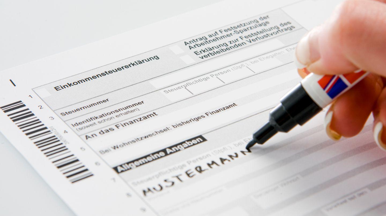 Auch für viele Angestellte lohnt sich die Steuererklärung. Doch Vorsicht: Schummler können schnell auffliegen