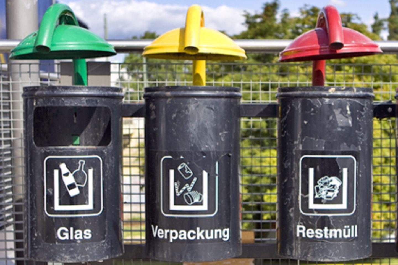 Grün kann dabei sein, oder Gelb, oder Rot, und natürlich Schwarz: fast alle Farbkombinationen sind bei der Regierungsbildung in Nordrhein-Westfalen denkbar
