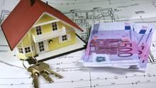 Wer fürs Eigenheim einen Kredit aufnimmt, sollte Zinsen, Tilgung und Laufzeit gut durchrechnen