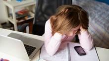Von Jahr zu Jahr steigt die Zahl der Kinder, die Opfer von Cybermobbing werden