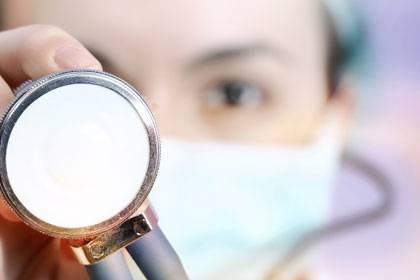 Welchen Einfluss hat die Industrie auf Ärzte? Die Pharmaindustrie verspricht die Einführung eines freiwilligen Index.