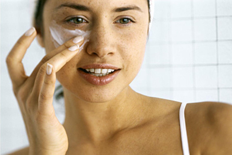 Nano-Teilchen sind schon in vielen Kosmetika und Textilien wie Handtüchern zu finden