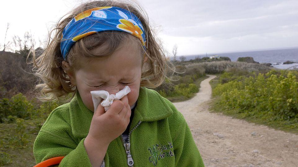Heuschnupfen beginnt meist schon im Kindergartenalter