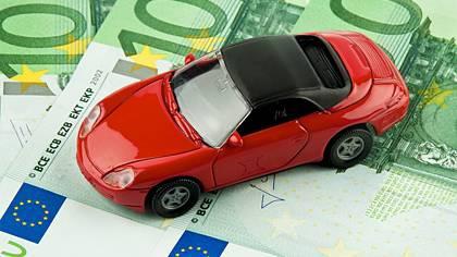 Der Wettbewerb macht's möglich: Wer seine Autoversicherung wechselt, kann mitunter viel Geld sparen.