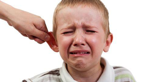 """Der """"Ohrenzieher"""" ist kein probates Erziehungsmittel, sondern Gewalt gegen Kinder"""