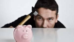 Die kleinen Zinsen stellen Sparer auf der Suche nach Sicherheit und Rendite vor eine kaum lösbare Aufgabe
