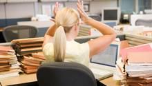 Zum Beginn des Berufsleben ist der Gehaltsunterschied zwischen Männer und Frauen noch nicht besonders groß, doch er wächst über die Jahre stetig an