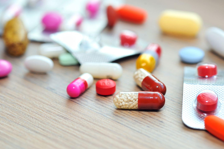 Hohe Kosten durch Medikamente ohne Zusatznutzen, das beklagt die Barmer in einem aktuellen Report.