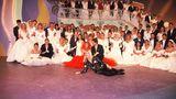 """Linda de Mol setzte bei RTL die Tradition großer Holländer fort, die das deutsche Fernsehen bereichern. Angefangen bei Lou van Burg über Rudi Carrell und Marijke Amado bis zu Sylvie Meis hat das kleine Nachbarland das Fernsehen immer wieder mit neuen Gesichtern und frischen Showideen bereichert. Mit der von ihrem Bruder John produzierten Show """"Traumhochzeit"""" rührte Linda de Mol von 1992 bis 2000 viele Millionen Deutsche zu tränen.  Das ZDF und RTL versuchten sich mehrfach an Neuauflage der Show, doch das Format zündete nicht mehr.."""