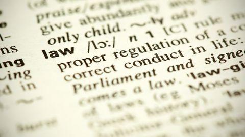 stern-Kolumne Dobelli: Fühlen Sie sich mit Moral oder mit Gesetzen wohler?