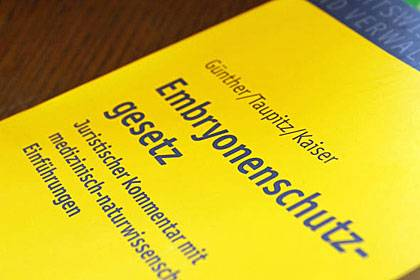Ein längst überfälliges Urteil des BGH: Gentests an künstlich befruchteten Eizellen verstoßen nicht gegen das Embryonenschutzgesetz