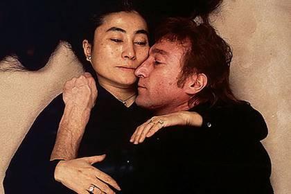 Am Tag seines Todes fotografierte Annie Leibovitz John Lennon - mit seiner Frau Yoko Ono - als sensiblen, liebevollen Ehemann