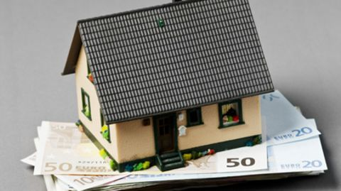 Kostet im Zweifel viel Geld, lohnt sich aber: die energetische Gebäudesanierung