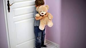 Gewalt an Kindern hinterlässt nicht nur seelische, sondern auch körperliche Schäden, die bleiben