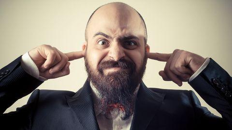 Bei einem klassischen Ohrwurm hilft selbst Finger in die Ohren stecken nicht