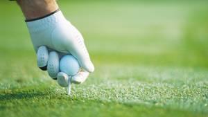 Wenn in Deutschland das Wetter trüb wird: Golftasche schnappen und ab in die Welt