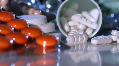 Teure Pillen: Die Deutschen zahlen zuviel für ihre Medikamente.