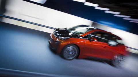Kaum bezahlbarer Elektroflitzer: 1200 Euro im Monat würde der Kleinwagen BMW i3 im Leasing kosten