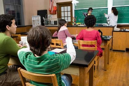 """""""Modediagnose"""" ADHS: Im Alter von elf Jahren bekamen 2011 rund 7 Prozent der Jungen und 2 Prozent der Mädchen das Medikament Ritalin verordnet."""