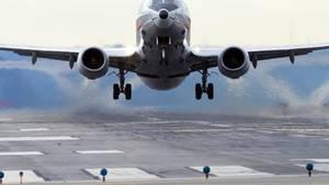 Glück im Unglück: Weil eine Boeing 737 vor dem Start defekt war, reparierte ein Passagier kurzerhand die Maschine.