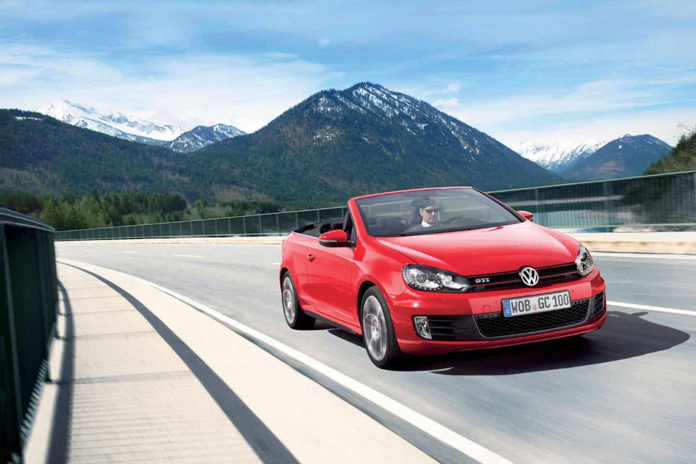 Vollwertiges Cabrio zu einem vernünftigen Preis: Bei einem Autovermieter ist das Golf Cabrio häufig das beste Angebot