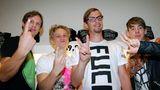"""Zusammen mit Musikproduzent Sebastian Radlmeier, Schauspieler Matthias Schweighöfer und Designer Kilian Kerner (v.l.) gründete Joko 2009 das Modelabel """"German Garment"""""""