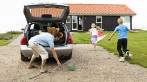 Die Preisunterschiede bei Mietwagen sind groß. Wer hier spart, dem bleibt mehr für den Urlaub.