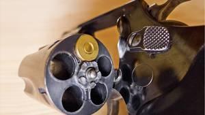 Familiendrama in Österreich: Eine 83-Jährige hat auf ihren Neffen und sich selbst mit einem Revolver geschossen (Symbolbild)