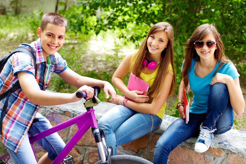 Deutschlands Jugend hat es nicht leicht: Sie will ihre Möglichkeiten und ihre Chancen nutzen - und kommen dabei mitunter gehörig in Stress.