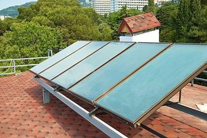Mit Solarthermie-Anlagen lässt sich Wärme für den Eigenverbrauch erzeugen