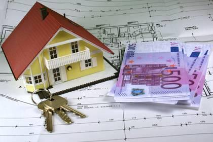 """Der teure Traum vom eigenen Heim: Mit """"Wohn-Riester"""" will der Staat helfen. Ein herkömmlicher Immobilienkredit ist flexibler"""