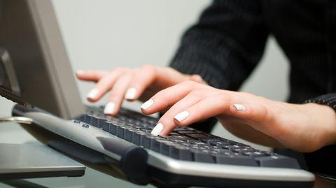 Hackern ist ein Datenklau im großen Stil gelungen - was Nutzer jetzt beachten sollten.