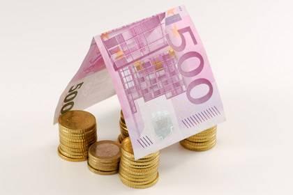 Eine Faustregel: Je mehr Eigenkapital, desto günstiger der Kredit fürs Eigenheim