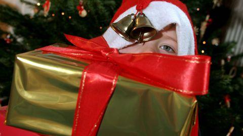 Manche Beschäftigte können sich vor Weihnachten über eine ordentliche Extrazahlung freuen