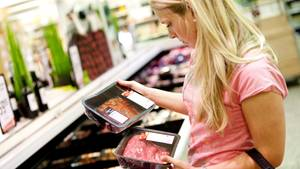 Woher stammt das Fleisch? Und wurden die Tiere artgerecht gehalten? Für Verbraucher ist das mitunter nur schwer zu erkennen.