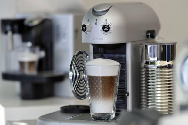 Delonghi Kaffeemaschine Mahlwerk Einstellen : Kaffeevollautomaten richtig reinigen: so verhindern sie keime im