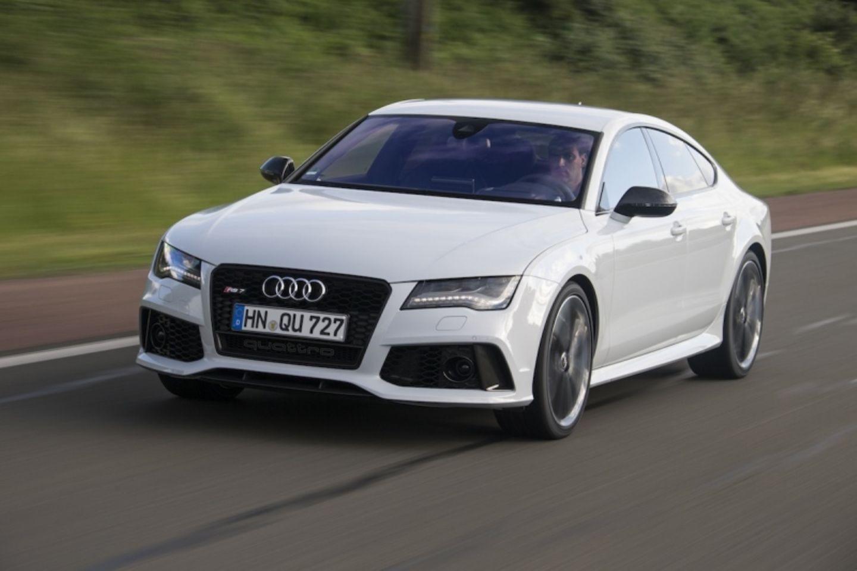 Die Frontschürze des Audi RS 7 Sportback hat auffällige Lufteinlässe.