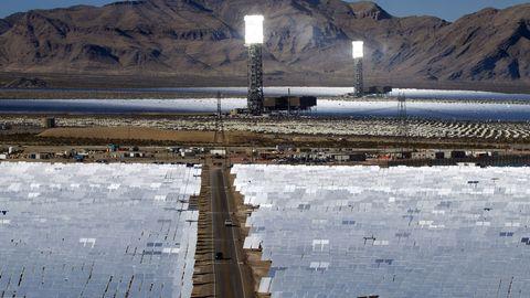 350.000 Spiegel erzeugen Energie für 140.000 Häuser