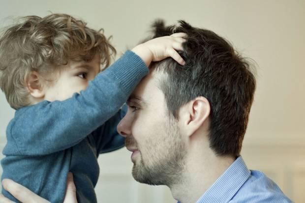 Wie wird man ein toller Vater? Trotz zahlloser Ratgeber und Checklisten bleibt am Ende nur die Antwort: Darüber entscheiden ganz allein Sie!